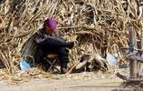 實拍:兒女都外出打工,獨留老人孤守農村,一年只能見一次面