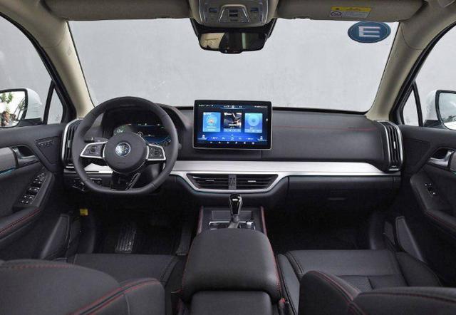 預算12萬,這三款SUV比哈弗H6座位更多,動力更強,還配AT變速箱