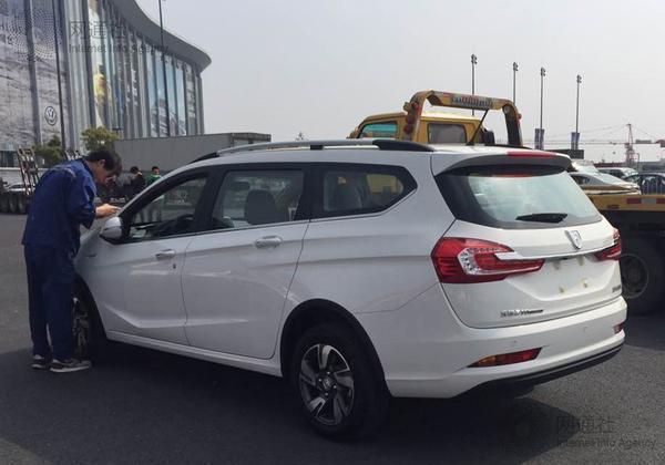 網通社上海車展探館:寶駿310旅行版