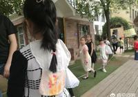 有人覺得現在幼兒園幾乎每個人小朋友都在後背墊了條汗巾,你覺得有必要嗎?