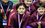 王霜晒出中國女足奪得梅州四國賽冠軍的照片,王霜功不可沒