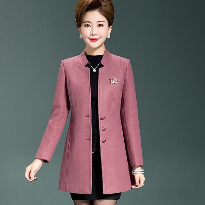 國慶中秋假期長,媽媽們聚會聚餐多,要給她挑倍有面子的大碼外套
