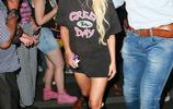 Lady Gaga人美心善!扎高馬尾獻吻小粉絲親和又不失女王氣場