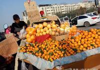 你身邊有開著小貨車四處叫賣水果的人嗎?現狀怎麼樣?