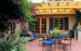 現在家裡有庭院不興鋪水泥了,看看她們家院子,高檔奢華又雅緻