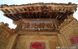 山西農村200多年古門樓牌匾,4個大字不知何意,請教專家學者解惑