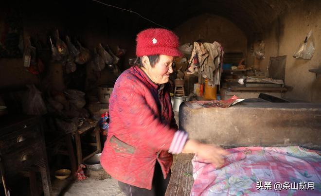 """河南鄉村75歲大娘家裡竟然僱了六個""""專職保鏢"""",背後原因是為啥"""