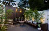 庭院設計:有棕色防腐木座椅和竹子做裝飾的小面積庭院私家花園