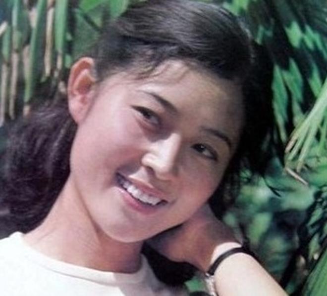 今天我們叫倪萍大媽,但年輕時的倪萍真的很美