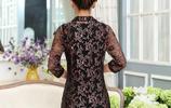 今年流行的蕾絲連衣裙,穿上不悶不熱,還能塑造媽媽們完美曲線