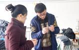 山東一夫婦返鄉創業,開了一家服裝廠,每年加工出口服裝30多萬件