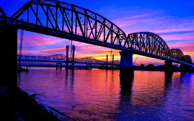 建築圖集:越江大橋建築