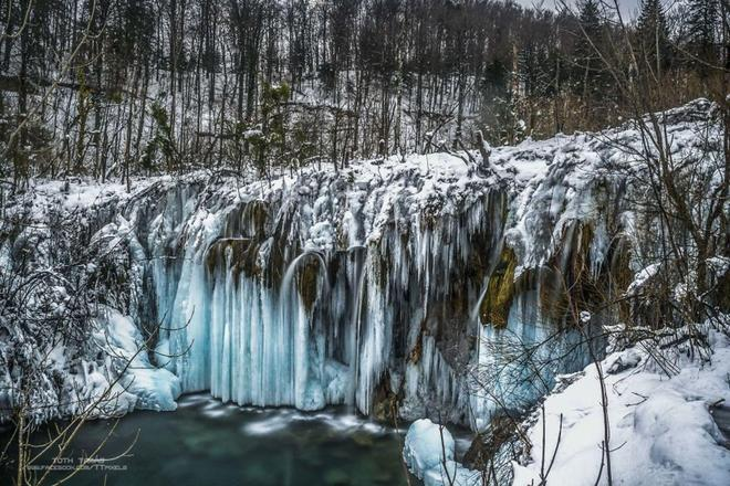 攝影 | 我在克羅地亞普利特維茨湖拍攝了上千個冰凍瀑布的世界