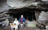 這個山洞中走出一個工程師和一個博士,老夫妻生活54年,捨不得走