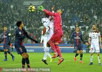 法甲—姆巴佩卡瓦尼戴帽內馬爾雙響 巴黎聖日耳曼9:0勝甘岡