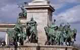 英雄廣場遊記,藝術和政治的勝蹟