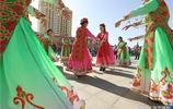 國慶黃金週遊客爆滿,不如去刀郎之鄉麥蓋提看歌舞
