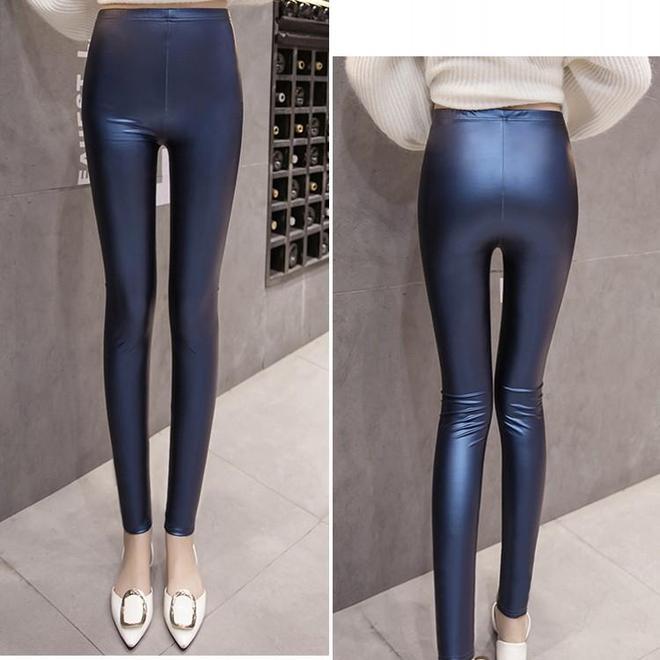 你再漂亮,也少不了皮褲!學學這樣子穿搭皮褲,保暖顯瘦超性感