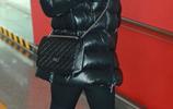 42歲劉敏濤現身機場,包裹嚴實,網友直呼:這才是正兒八經過冬天