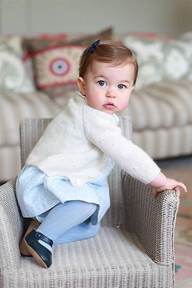 凱特王妃拍攝最可愛的10張照片:喬治和夏洛特第一次上學,超可愛