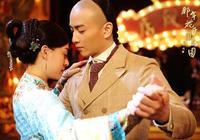 那年花開月正圓周瑩和沈星移在一起了嗎 沈星移結局也慘死