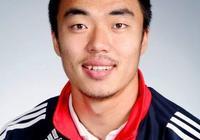 他18歲代表國足首秀迎戰韓國隊,被國嘴贊為最像歐洲球員的國腳