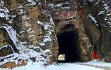 一個海拔500米的小山村,雪後的山道成為攝影人挑戰的山路之一