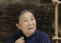 """她憑""""醜娘""""走紅,82歲的時候兒子趕出家門?網友:慈母出敗兒!"""