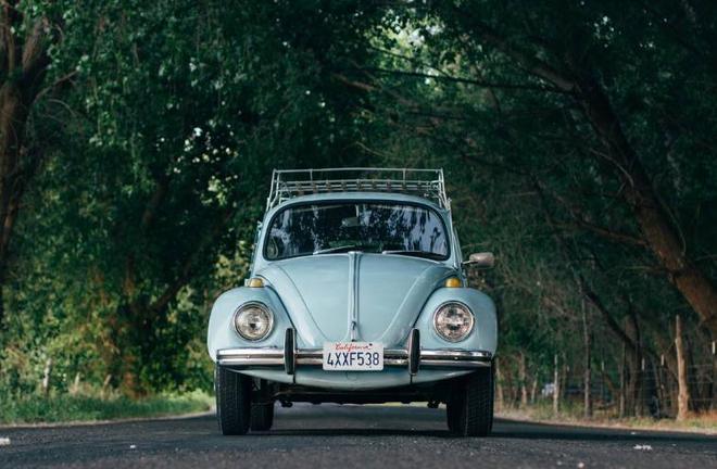 靜物拍攝五顏六色的老爺車