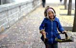 4年前,濟南6歲女孩跟爺爺掃馬路,全城關注!如今她過得怎麼樣?