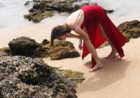 在海邊浪裡個浪