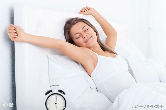 """晨起八個習慣等於慢性自殺!你基本都有 """"養生十萬個為什麼"""""""