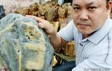 農民大哥河溝裡撿到一塊石頭,1800元拒賣,網友們看值多少錢