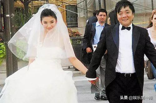 黃奕:悲慘的童年失敗的婚姻