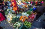 新疆阿克蘇人真幸福,新鮮的葡萄、山楂才賣2元一斤,我想搬家了