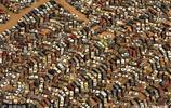 美國這個汽車處理廠把汽車放了50年,無人問津!