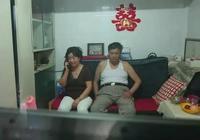 北京25㎡,為讓女兒回家住,老父母堅持睡6㎡露臺小屋!