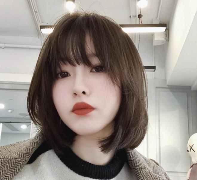 """別再燙直髮了,2019年流行這個""""凍齡""""髮型,年輕時尚又大氣"""