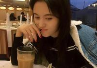 鞠婧禕、吳宣儀、楊超越、迪麗熱巴,誰喝奶茶的樣子更甜美?