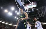 中國籃球明星易建聯