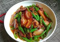 簡單易學的四川回鍋肉,不僅色澤紅亮,肥而不膩,吃在嘴裡真香