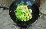 農村媳婦為一家人準備的中秋團圓飯,看著簡單,寓意不簡單