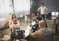 導演請女演員去酒店聊劇本,房間裡發生的一幕讓她差點暈倒