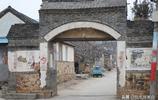 組圖:煙臺棲霞這個村有座古建築,類似城寨的寨門