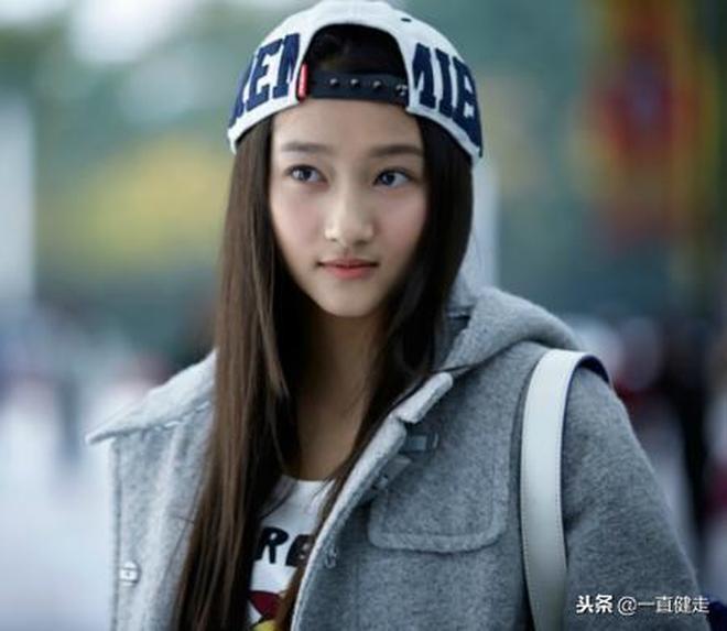 優秀青年演員——關曉彤