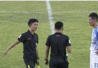 比中國足球還假!越南球員任意球打進自家大門 球迷質疑踢假球
