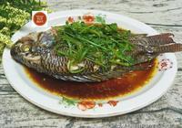 這個魚蒸一蒸,鮮嫩爽滑刺少肉多,價格便宜,10分鐘就上桌!