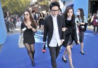 2012年剛確立關係的李雨桐薛之謙,挽手公開亮相合影,你見過麼?