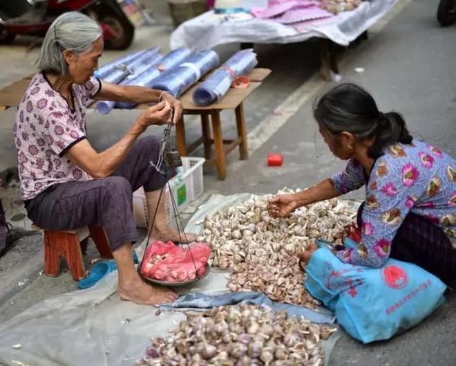 在農村,有一種上街叫趕集!你見過這樣的集市嗎?