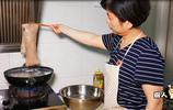 自從學會肉皮這種做法,我家就不再做皮凍了,一次做半鍋,太下飯